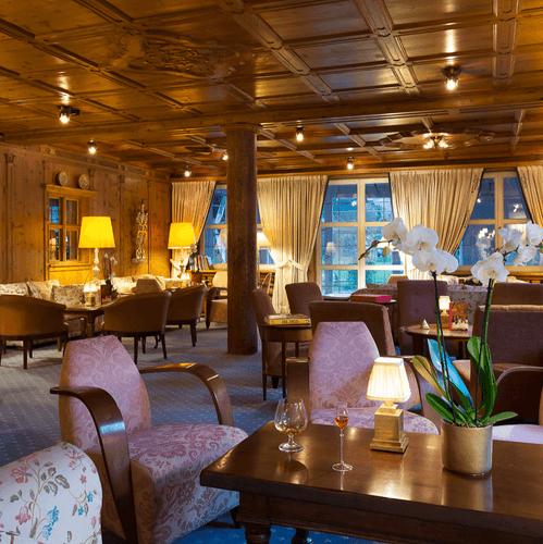 Gemütliche Hotellounge im Zillertal