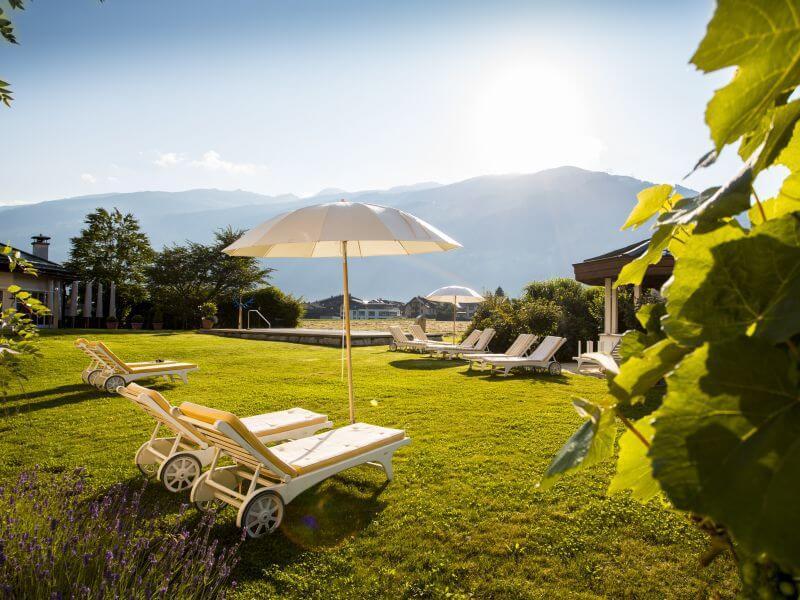 Galerie Gartenanlage Hotel Theresa Tirol