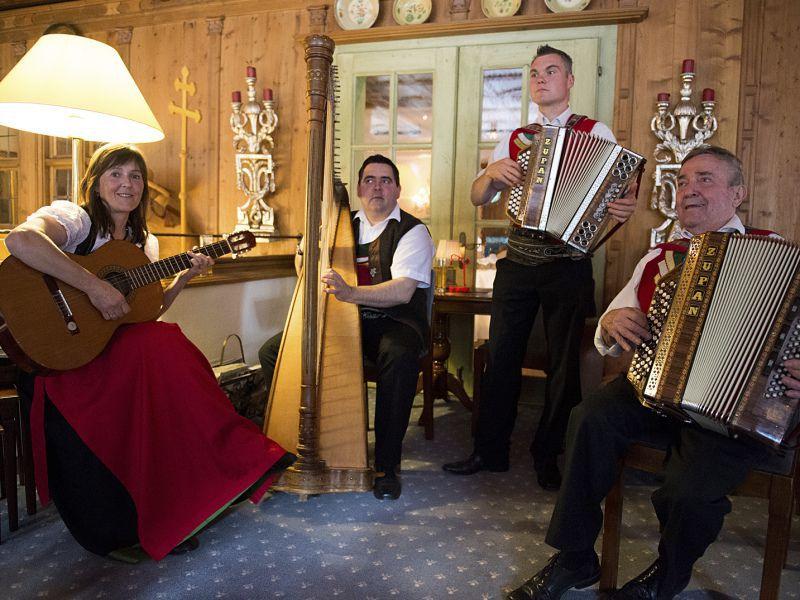 Live Musik bei der 50 Jahr Feier im Hotel Theresa in Zell am Ziller
