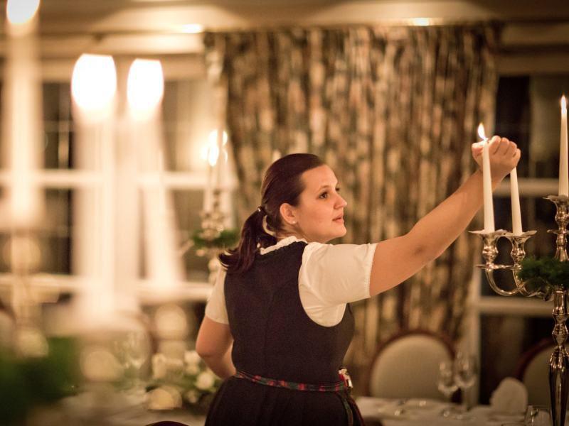 Vorbereitungen für die Goldene Hochzeit Feier im Hotel Theresa