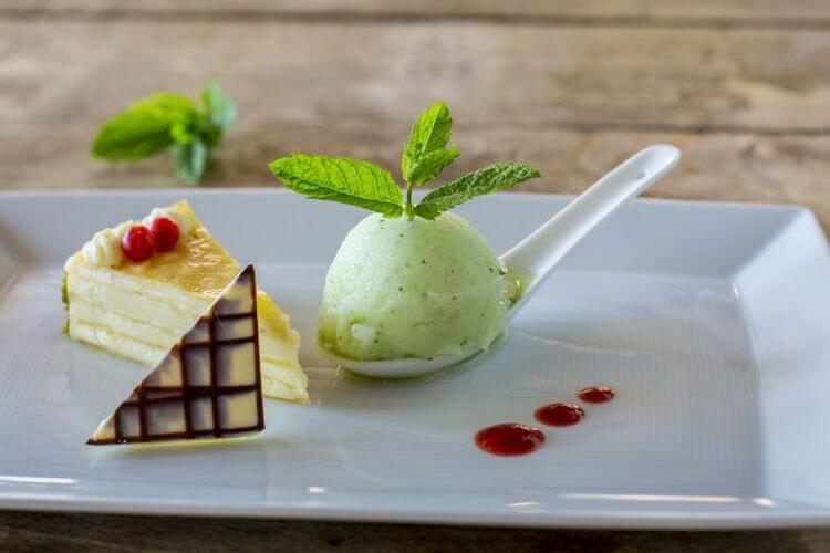 Hausgemachte und feine Desserts