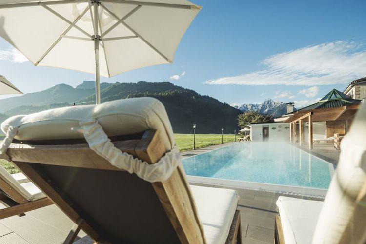 Sonnenliege Wellnessanlage 4 Sterne Superior Hotel